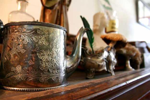 teapot mantel decoration