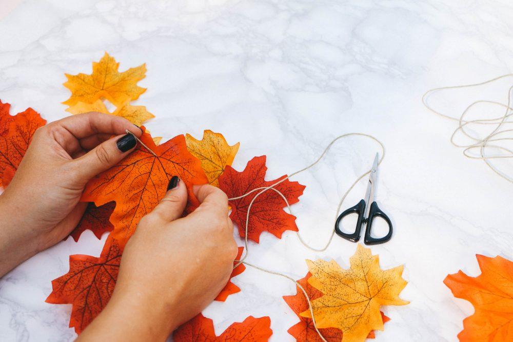 DIY autumn garland mantel decoration